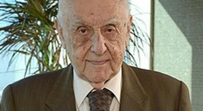 Dr. H. Sedat Üründül vefat etti